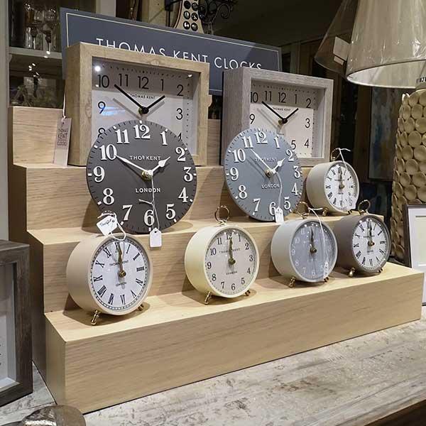 Small freestanding clocks